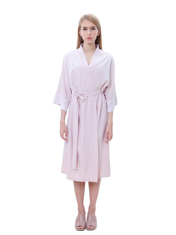 8e38cbdbe28 Легкое платье-халат для дома из вискозы с отделкой из кружева